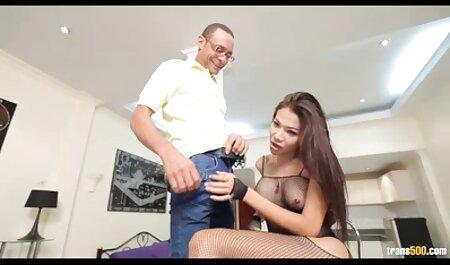 Yanks Hottie Iris porno traducida al español Ives se masturba