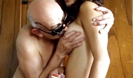 Hermosa lesbiana angelina brill lamida antes porno español hentai de fisting vigoroso